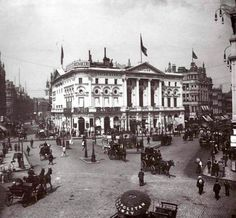 London. Piccadilly Circus in 1894.