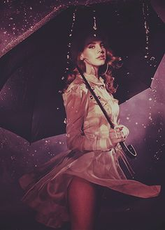 Is that Lana del Ray? Awesome!  #Rain #Fashion #Photo #Photography