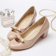 5d1421af01d6c 2014 Russian Women Fashion Patent Leather Bow Nude Low Heels Retro Shoes  Chunky Heel Pumps Round