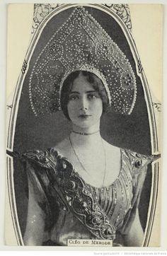 Cléopatra Diane de Mérode was a French dancer of the Belle Époque. Belle Epoque, Vintage Photographs, Vintage Images, Old Pictures, Old Photos, Document Iconographique, Vintage Beauty, Vintage Fashion, Lily Elsie