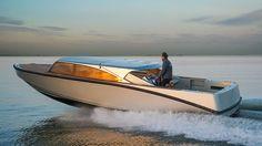 """Xtenders has delivered a 9.3 metre tender which has been designed to """"combine all the advantages of an open day boat and a luxurious limousine""""."""