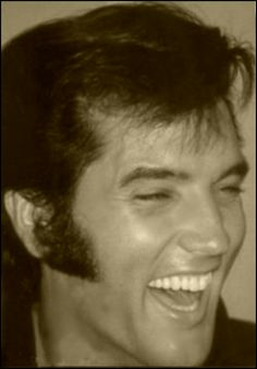 Elvis ♥ Love this one..