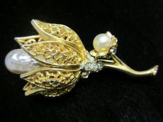 "Vintage 2-3/4"" Signed BSK Gold Tone Rhinestone Faux Pearl Flower Brooch - A32"
