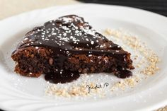 Paleo chocolate cake by Enz Photography and me. :) Yummy and healthy food photography Healthy Food Options, Easy Healthy Recipes, Baby Food Recipes, Paleo Chocolate Cake, Sugar Free Sweets, Healthy Sweets, Healthy Eating, Fun Cooking, Sweet Tooth
