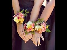 FLOWER MOXIE DIY: How To Make A Wrist Corsage - YouTube