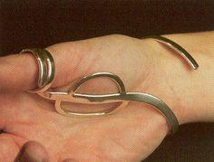 thumb brace for arthritis Arthritis Exercises, Rheumatoid Arthritis Treatment, Silver Braces, Adaptive Design, Hypermobility, Ehlers Danlos Syndrome, Massage Tools, Medical Conditions, Silver Rings