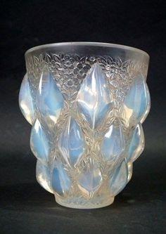 René Lalique Opalescent Glass  Rampillion  Vase