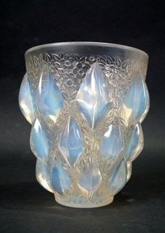 René Lalique Opalescent Glass  Rampillion  Vase