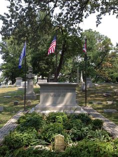 Wright Brothers tomb in Dayton, Ohio
