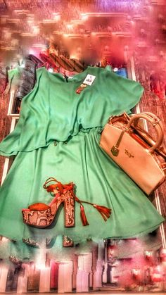 Summer outfit green dress snake print chunky high heeled sandals exe veta bag