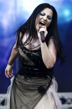 Evanescence - Singer Amy Lee