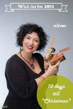 Ioanna is counting down till Christmas! Just 10 days to enjoy the big day! Η Sweetly Ιωάννα, διευθύντρια σύνταξης του περιοδικού Olive, μπαίνει στο πνεύμα των *Χριστουγέννων*! 10.... www.sweetly.gr
