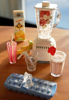 Making Smoothies! by carriembecker, via Flickr   1:6 scale