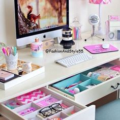 cute desk organization for teen girl's bedroom...