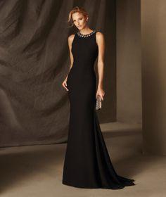 BELEN - Γοργονέ φόρεμα δεξίωσης από κρεπ, τούλι και πολύτιμες πέτρες, με στρογγυλή κλειστή λαιμόκοψη