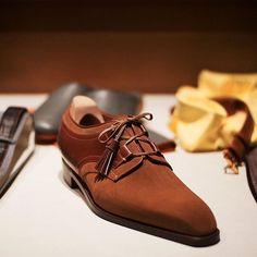 (il Micio) by Hidetaka Fukaya of Nagoya Japan started his passion for cobbling about 10 years ago. He studied shoe making in Siena and has not looked back. Since then he has opened up his own shop in a charming alley in Florence. Suit Shoes, Men's Shoes, Shoe Boots, Dress Shoes, Male Shoes, Shoes Style, Shoes Men, Derby, Mens Fashion Shoes