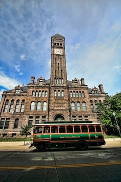 The Old Courthouse Museum  | Franklin Arts (Kyle Franklin Neuberger) | Visit Sioux Falls