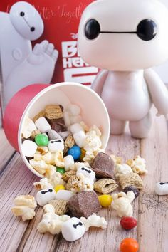 [disclaim]This shop has been compensated by Collective Bias, Inc. This Big Hero 6 Snack Mix is a sweet combo of treats perfect for enjoying Disney Snacks, Disney Food, Disney Recipes, 6th Birthday Parties, Boy Birthday, Birthday Ideas, Kid Parties, Disney Birthday, Cake Birthday