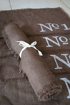 Craftaholics Anonymous® | Burlap Place mats and Table Runner