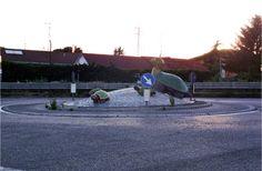 La rotatoria delle tartarughe, fatte in stile #mosaico. #Ravenna