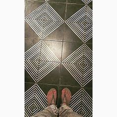 #suelo #ground #tiling #tileaddiction #shoes #sandalias #sandals #calzado #footwear #down #abajo #tileart #ihavethisthingwithfloors #ihavethisthingwithfloor #photographie #photographer #photogrid #photooftheday #fotodeldia #vscogram #vscogallery #vscogaleria #vsco_of_our_world by lvv8