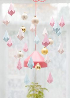 easy paper crafts are a great way to let out your inner creative and craft some gorgeous cards, party decor ideas, or even some home decor crafts. Crafts with paper are cheap and great to make! Easy Paper Crafts, Paper Crafting, Diy And Crafts, Pink Christmas, Christmas Crafts, Christmas Ideas, Christmas Paper, Papier Diy, Navidad Diy