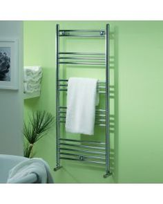 Find stylish ladder heated towel radiators with straight rails for your bathroom View our huge range of brands, styles and colours for all budgets - FREE UK delivery Electric Towel Rail, Electric Radiators, Towel Radiator, Designer Radiator, Heated Towel Rail, Shower Enclosure, Home Organization, Space Saving