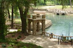 Radium Springs Gardens    One of Georgia's Seven Natural Wonders, Radium Springs Garden pumps 70,000 gallons of clear, 68-degree water per minute from an underground cave. Walk through a courtyard where the former Radium Springs Casino once stood, enjoy foliage-draped hillocks, crystal clear waters and flora both indigenous and exotic. The park features a restored terrace, new sidewalks, a casino garden and gazebos.