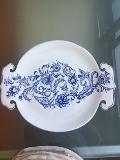 emeklilik hobileri Ceramic Plates, Decorative Plates, Islamic Tiles, Diy Resin Art, Blue And White China, Tile Art, Porcelain Tile, Pottery, Tableware