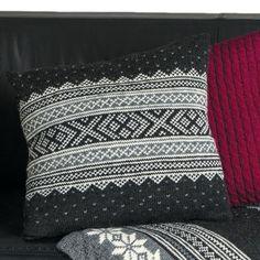 Sweater Pillow, Knit Pillow, Norwegian Knitting, Knitting Patterns, Knitting Ideas, Knitting Accessories, Needlework, Knit Crochet, Home Goods