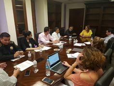 <p>Chihuahua, Chih.- Funcionarios de la Secretaría del Trabajo y Previsión Social y la Dirección de Transporte de Gobierno del Estado