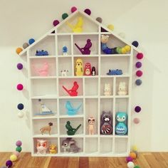 Great inspo for displaying all of those cute bits and bobs. Leo & Bella house. I spy Kid-O wobble toys and Sonny Angels, also gorgeous new felt ball garlands from Little Dwellings.