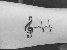 40 Simple Tiny Tattoo Ideas For Men – Buzz 2018 - Pfeil Tattoo Small Tattoos Men, Small Couple Tattoos, Small Quote Tattoos, Small Tattoos With Meaning, Tattoo Quotes, Tribal Tattoos, Tattoos Skull, Tattoos Infinity, Paar Tattoos