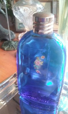Check out this item in my Etsy shop https://www.etsy.com/listing/261430835/vintage-french-blue-perfume