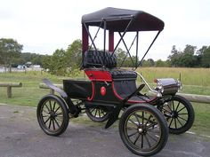 """1901 Oldsmobile Model R1 """"Curved Dash"""" runabout"""