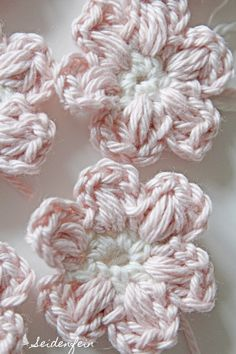 Crochet Shawl, Crochet Stitches, Knit Crochet, Crochet Patterns, How Do You Knit, Flower Braids, Knitted Booties, Crochet Winter, Ganchillo
