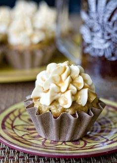 @KatieSheaDesign ♥ Butterbeer Cupcakes....Courtesy of the wizarding world of Harry Potter