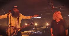 Carrie Underwood And Crowder Sing 'Lift Your Head Weary Sinner' - Christian Music Videos