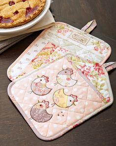 """urn precut 10"""" squares into cute pot holders that make great gifts!"""