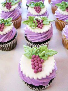 Fancy Cupcakes perfect as dessert for my next Wine Tasting Party Wine Cupcakes, Pretty Cupcakes, Yummy Cupcakes, Cupcake Cookies, Themed Cupcakes, Wedding Cupcakes, Purple Cupcakes, Beautiful Cupcakes, Cupcake Wine