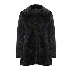 A gorgeous faux fur coat that is light to wear with a cozy, luxe look and a super soft feel.