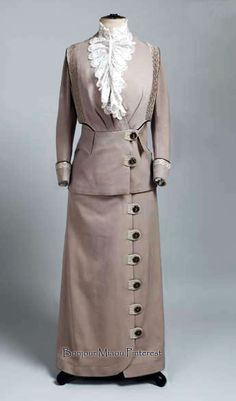 Suit, Budapest, ca. 1910. Museum of Arts & Crafts, Zagreb