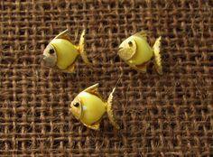 Scatter Pins / Fish Pins / 1960s Novelty Pins /  Moon Fish