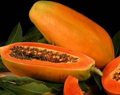 Papaya is one of the best fruits for skin care. Papaya cleanses and make skin to glow in a healthy way. There are much benefits of papaya for skin care. Papaya Facial, Papaya Face Mask, Fresh Fruit, Fruit Seeds, Healthy Fruits, Fruits And Vegetables, Healthy Recipes, Healthy Food, Marmalade
