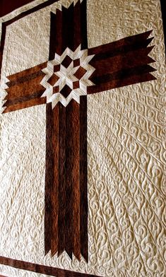 Cross Quilt Carpenters' Star Cross Queen / King by QuiltPatterns Longarm Quilting, Free Motion Quilting, Quilting Tips, Machine Quilting, Quilting Projects, Quilting Designs, Sewing Projects, Quilting Tutorials, Patchwork Quilting