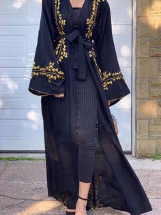 Arab Fashion, Muslim Fashion, Fashion Wear, Modest Fashion, Korean Fashion, Fashion Dresses, Hijab Dress, Hijab Outfit, Modern Abaya