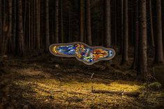 Thomas Medicus - Floating Fluorescent Amoeba Sculpture