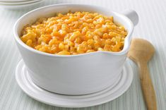 Super Cheesy Baked Macaroni & Cheese recipe Trust us, this ooey-gooey warm-from-the oven bake is cheesier than you ever thought possible. Your will fall in love with macaroni and cheese all over again. Macaroni And Cheese Kraft, Cheesy Mac And Cheese, Macaroni Cheese Recipes, Kraft Recipes, Penne, 20 Min, Pasta Dishes, The Best, Cooking Recipes