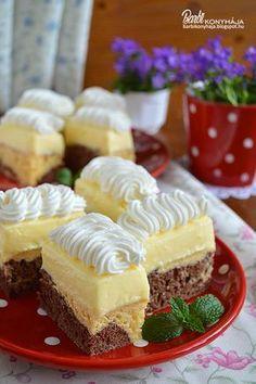 Anyák napjára készült krémes sütemény. Reggel 8 órakor elkezdtem, és 10-re készen is voltam vele, úgyhogy, legyen bármilyen alkalom, alig k... Hungarian Cake, Hungarian Recipes, Cold Desserts, Delicious Desserts, Sweet Recipes, Cake Recipes, Different Cakes, Sweet Cookies, Cake Bars