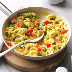 Calico Scrambled Eggs Recipe -When you're short on time and scrambling to get a… Egg Recipes, Brunch Recipes, Diabetic Recipes, Cooking Recipes, Healthy Recipes, Bariatric Recipes, Clean Recipes, Diet Recipes